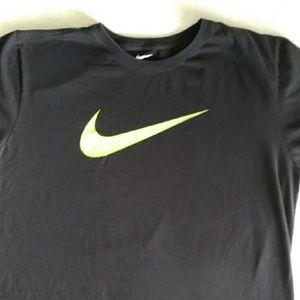 Nike athletic cut T-shirt XL